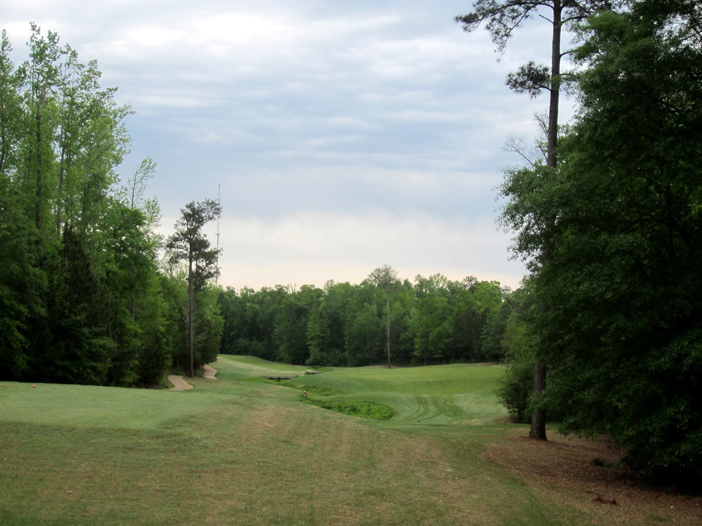 5th Hole at Auburn University Club (449 Yard Par 4)