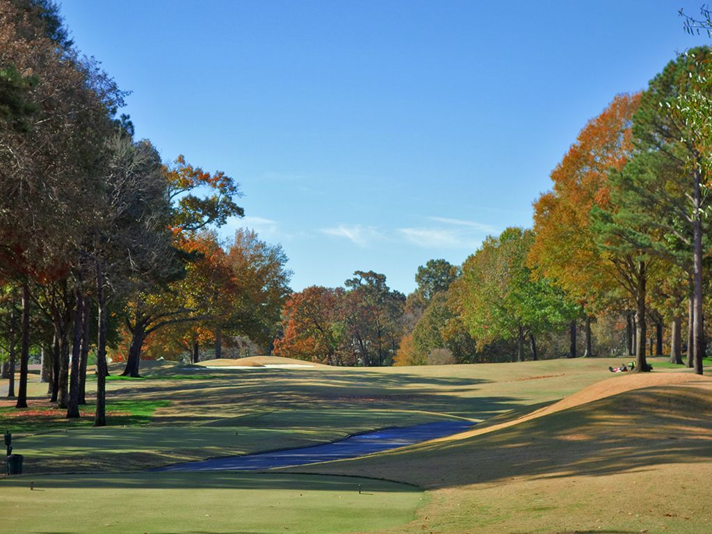 10th Hole at Country Club of Birmingham (West) (550 Yard Par 5)