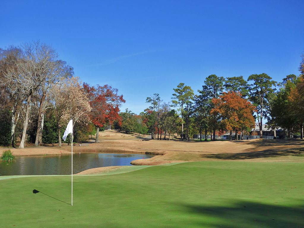 14th Hole at Country Club of Birmingham (West) (450 Yard Par 4)