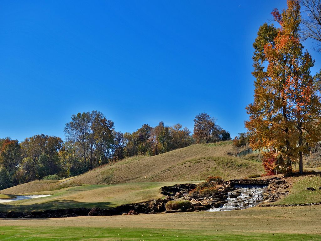 18th Hole at Robert Trent Jones Golf Trail at Capitol Hill (Judge) (358 Yard Par 4)