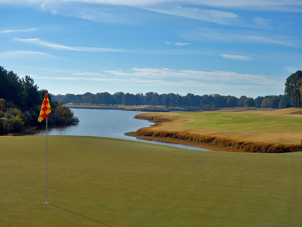 7th Hole at Robert Trent Jones Golf Trail at Capitol Hill (Judge) (675 Yard Par 5)