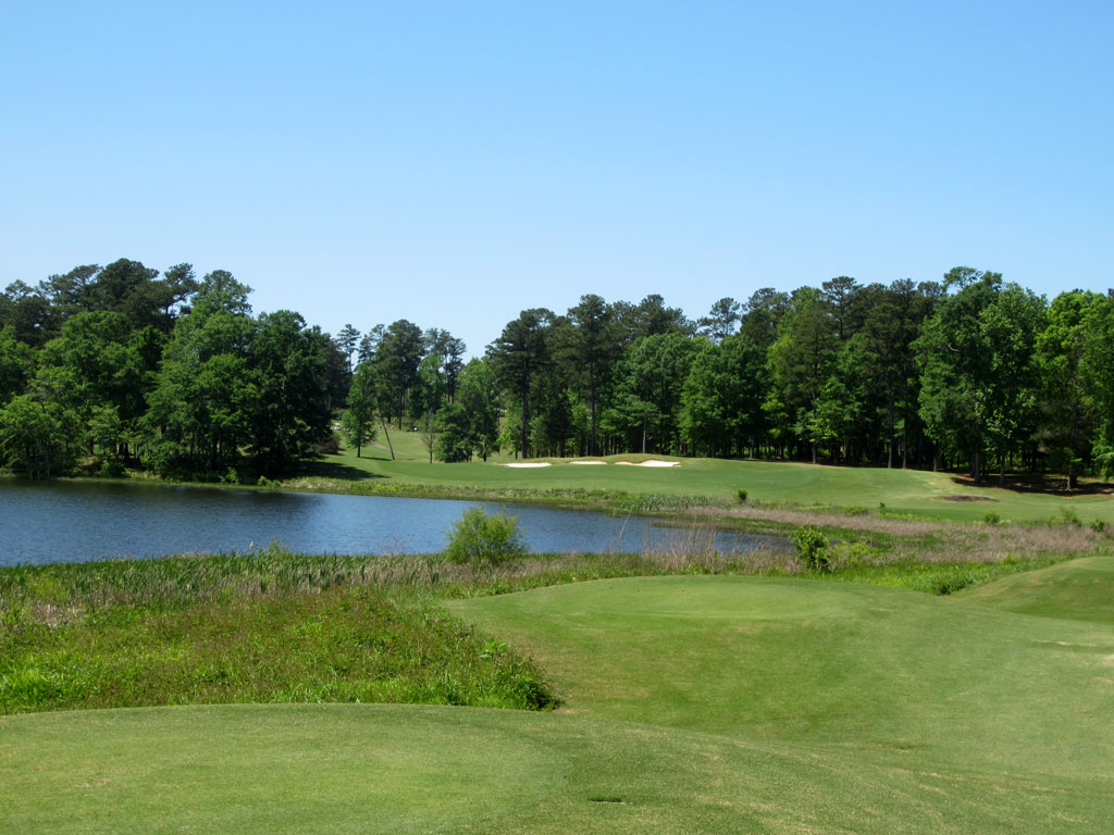 18th Hole at Robert Trent Jones Trail at Grand National (Links) (471 Yard Par 4)