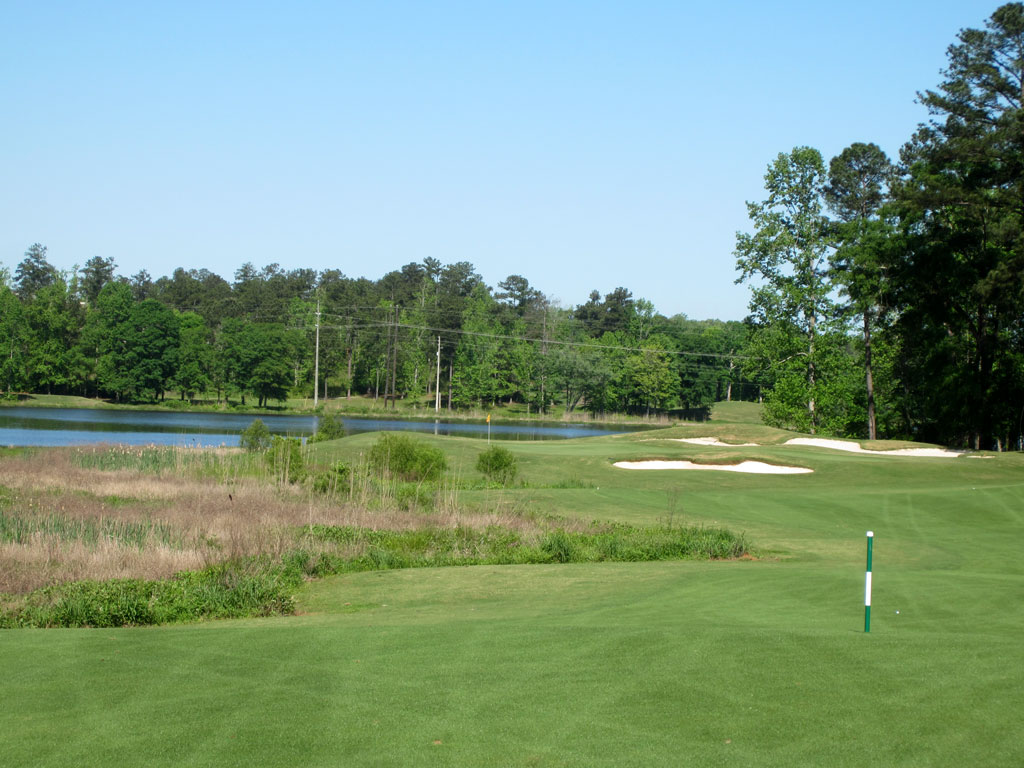 4th Hole at Robert Trent Jones Trail at Grand National (Links) (425 Yard Par 4)