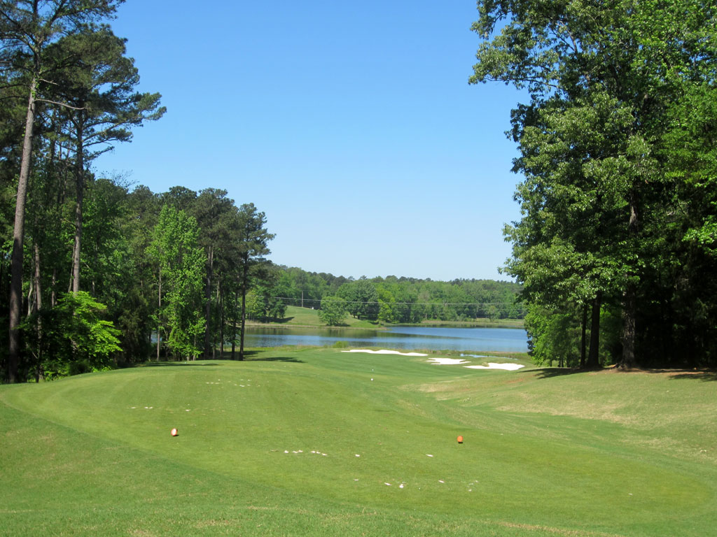 8th Hole at Robert Trent Jones Trail at Grand National (Links) (345 Yard Par 4)