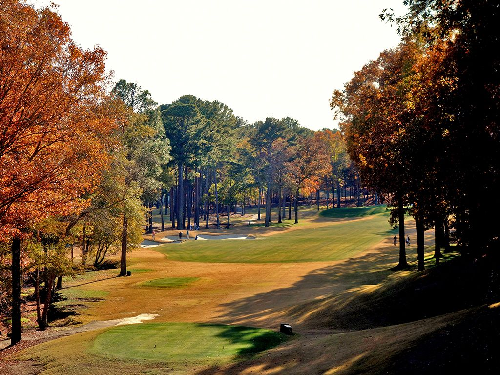 12th Hole at Shoal Creek Club (520 Yard Par 4)