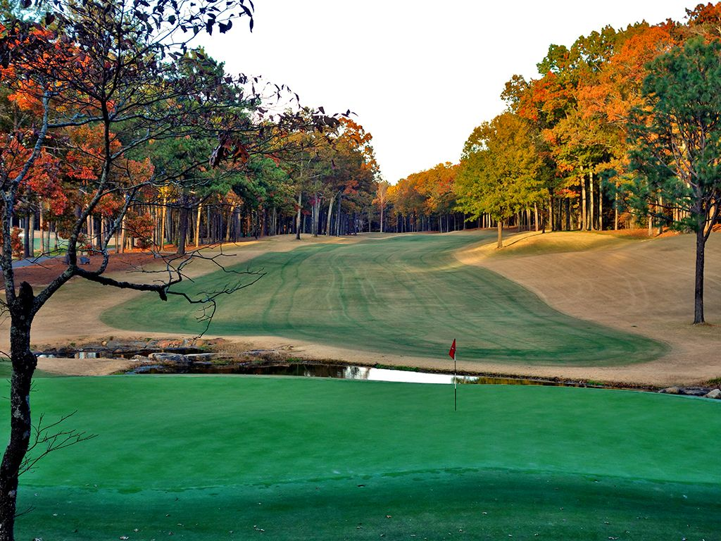 17th Hole at Shoal Creek Club (550 Yard Par 5)