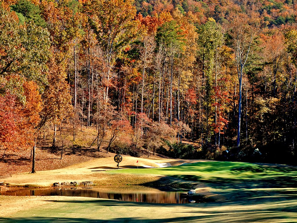 5th Hole at Shoal Creek Club (220 Yard Par 3)
