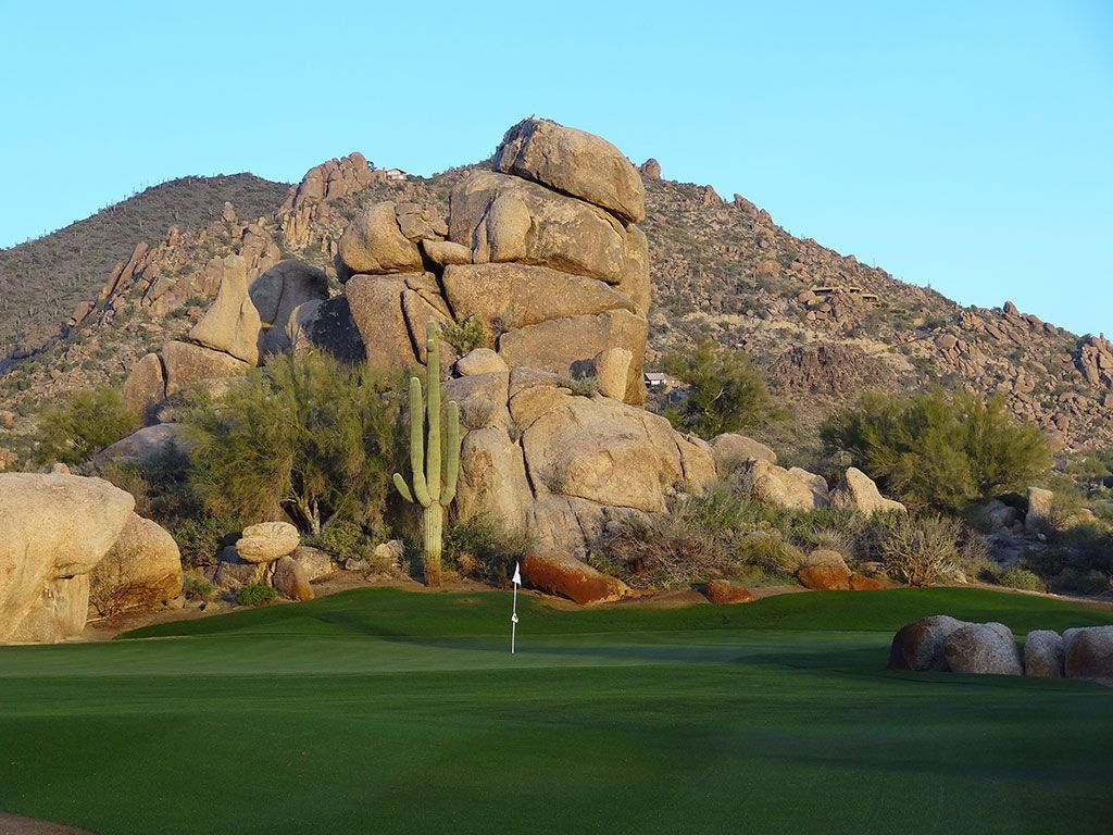 1st Hole at The Boulders (South) (421 Yard Par 4)
