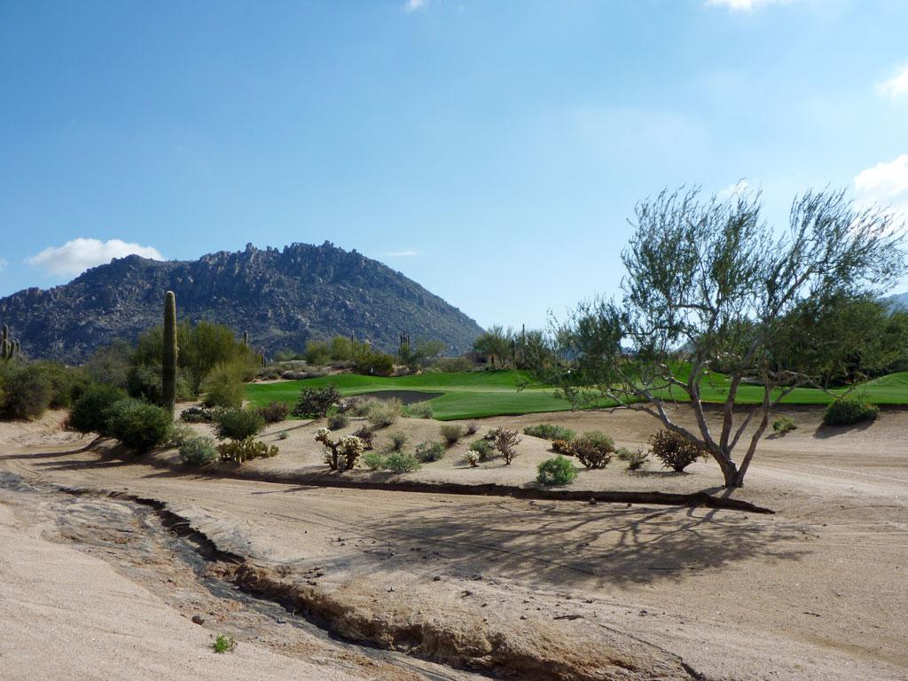 11th Hole at Desert Highlands Golf Club (563 Yard Par 5)