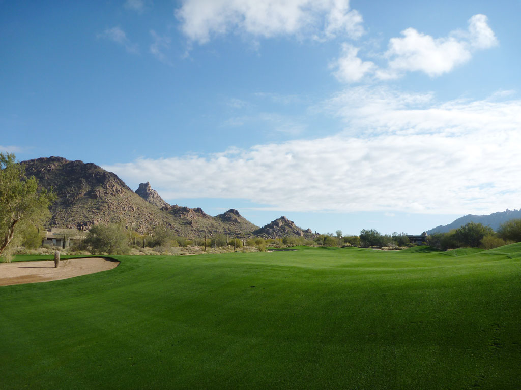 8th Hole at Desert Highlands Golf Club (444 Yard Par 4)