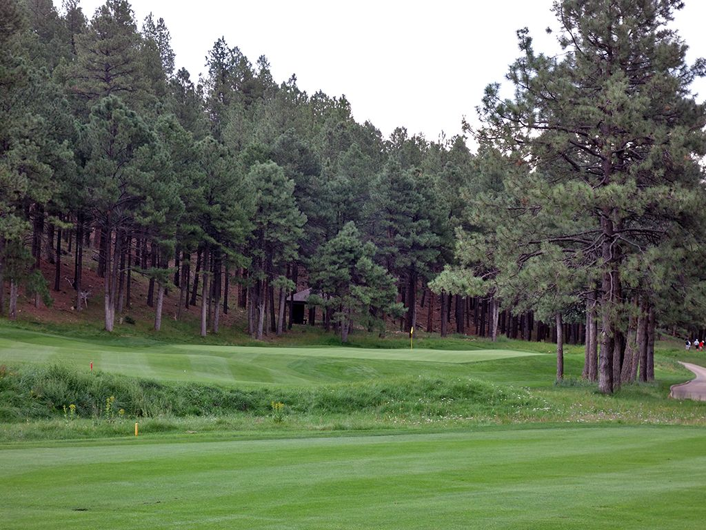 17th Hole at Forest Highlands Golf Club (Canyon) (387 Yard Par 4)