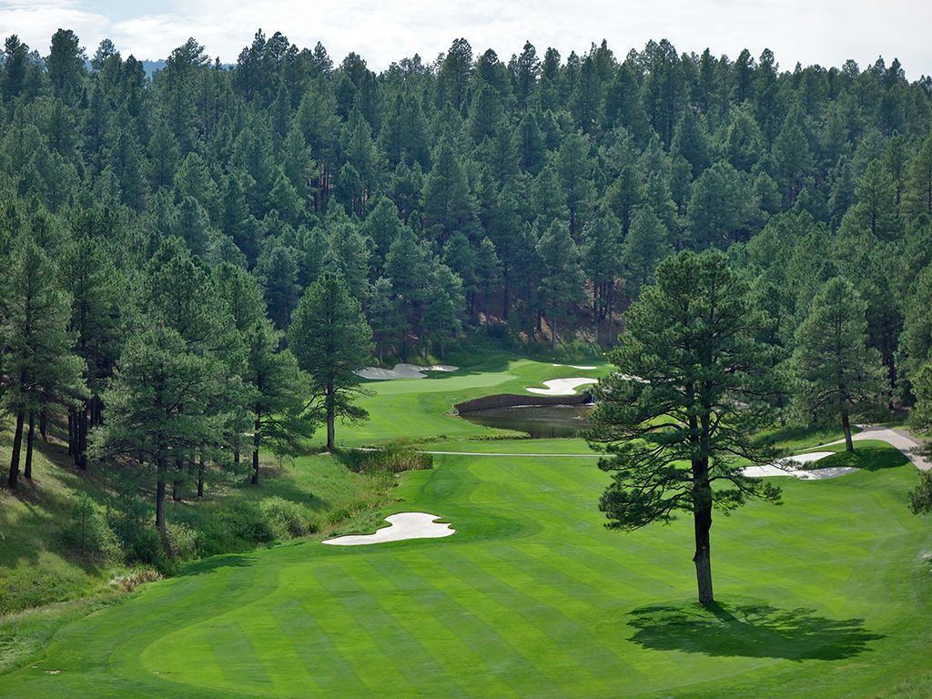 9th Hole at Forest Highlands Golf Club (Canyon) (466 Yard Par 4)