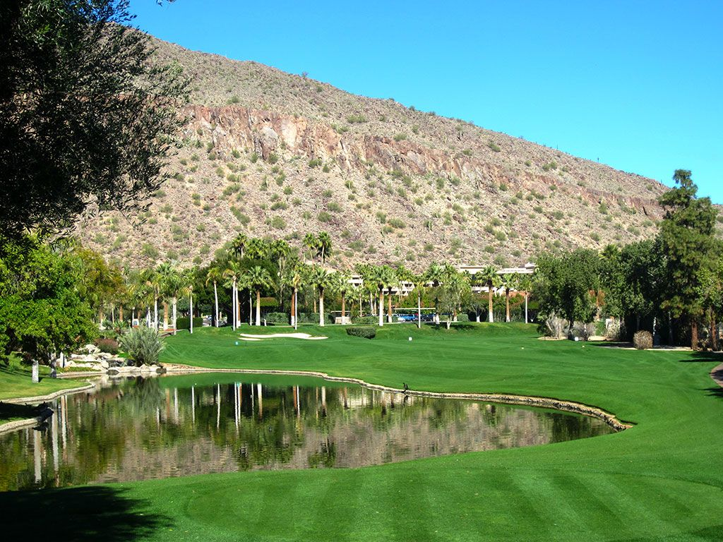 9th (Canyon) Hole at The Phoenician Resort (525 Yard Par 5)