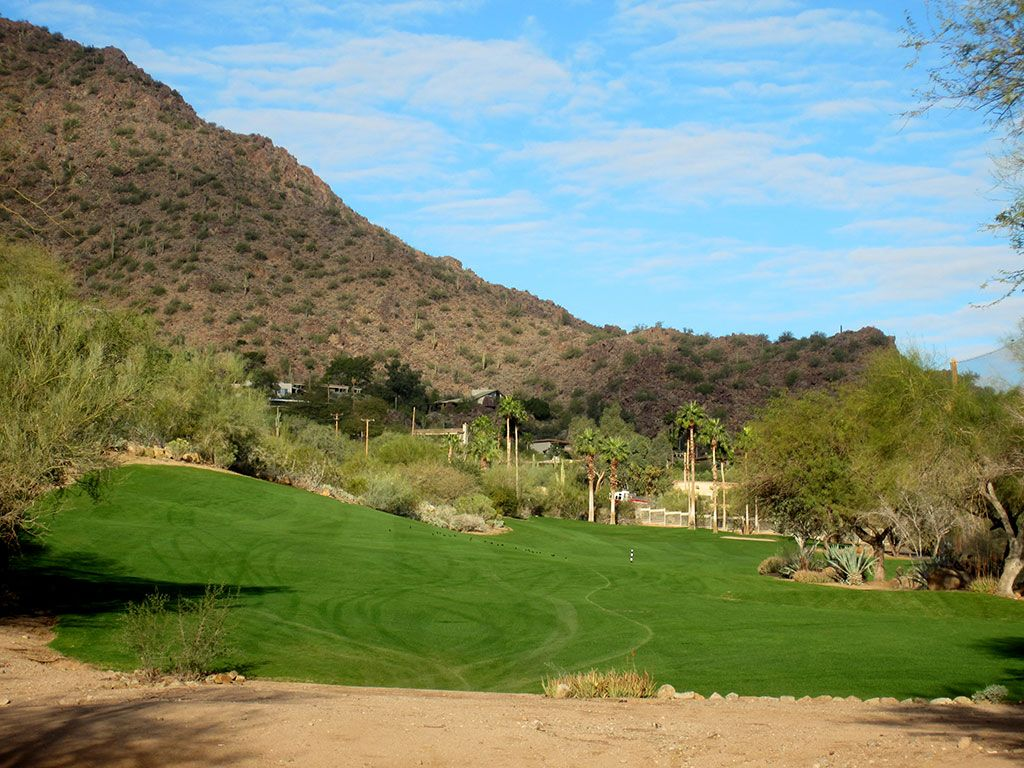 5th (Desert) Hole at The Phoenician Resort (443 Yard Par 4)