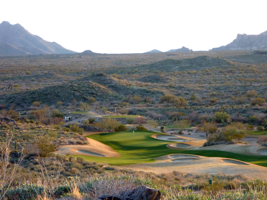 17th Hole at Scottsdale National (392 Yard Par 4)