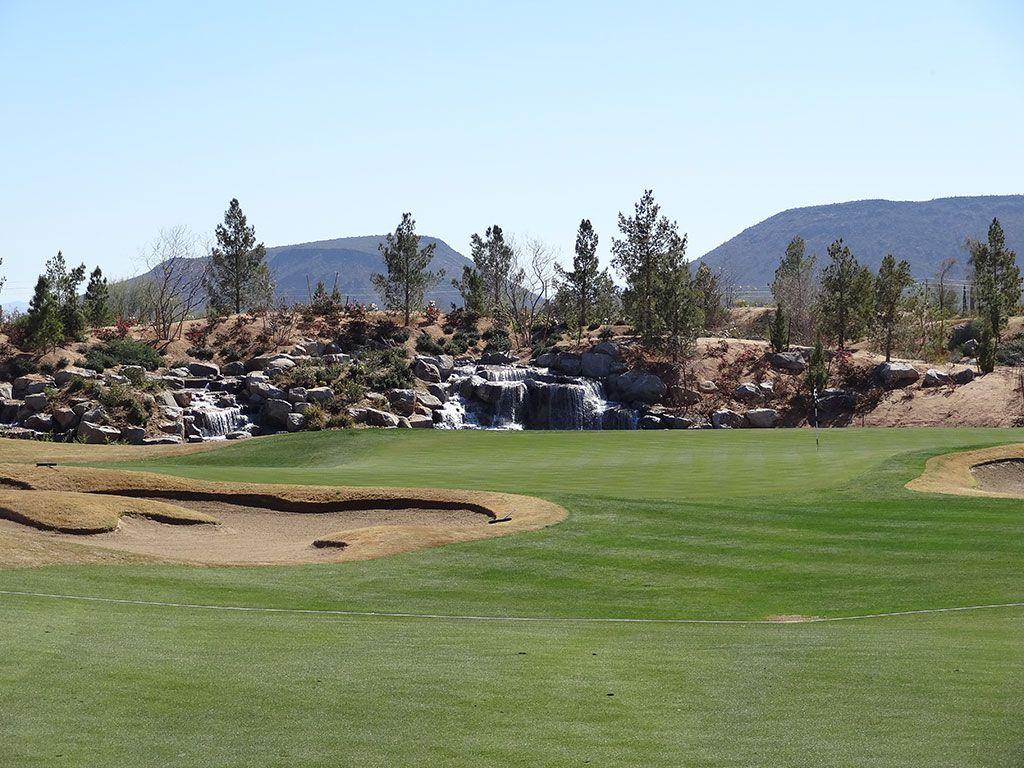 18th Hole at Sewailo Golf Club (390 Yard Par 4)