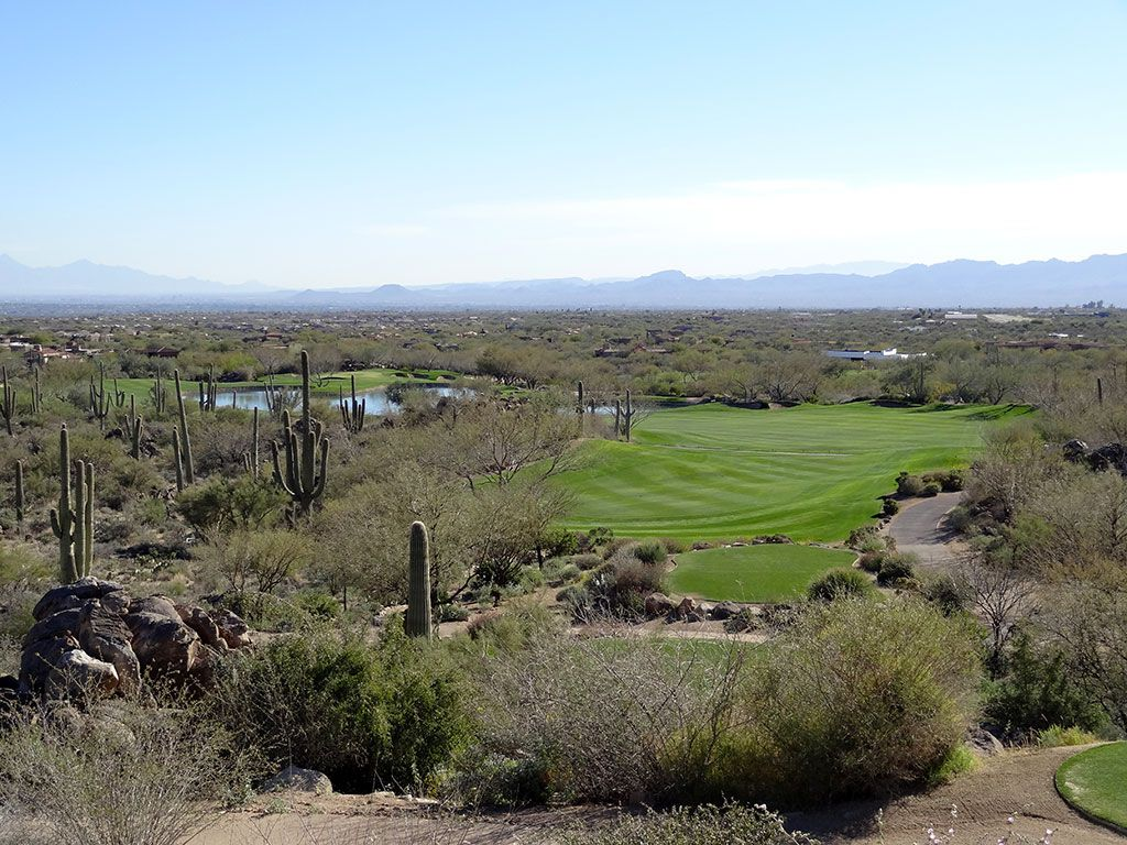 10th Hole at Stone Canyon Club (622 Yard Par 5)