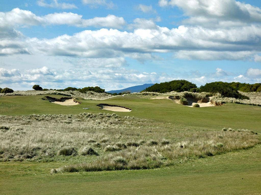 14th Hole at Barnbougle (Dunes) (556 Yard Par 5)