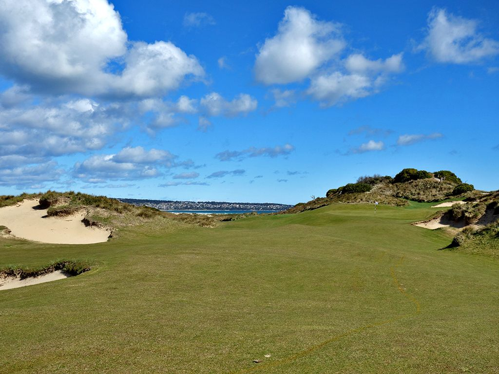 15th Hole at Barnbougle (Dunes) (351 Yard Par 4)
