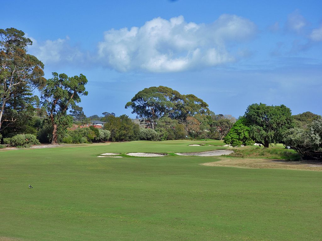 16th Hole at Kingston Heath Golf Club (434 Yard Par 4)