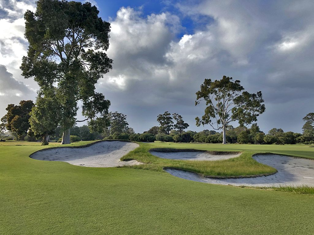 1st Hole at Kingston Heath