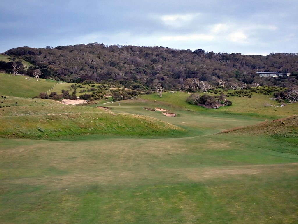 15th Hole at National Golf Club (Moonah) (573 Yard Par 5)
