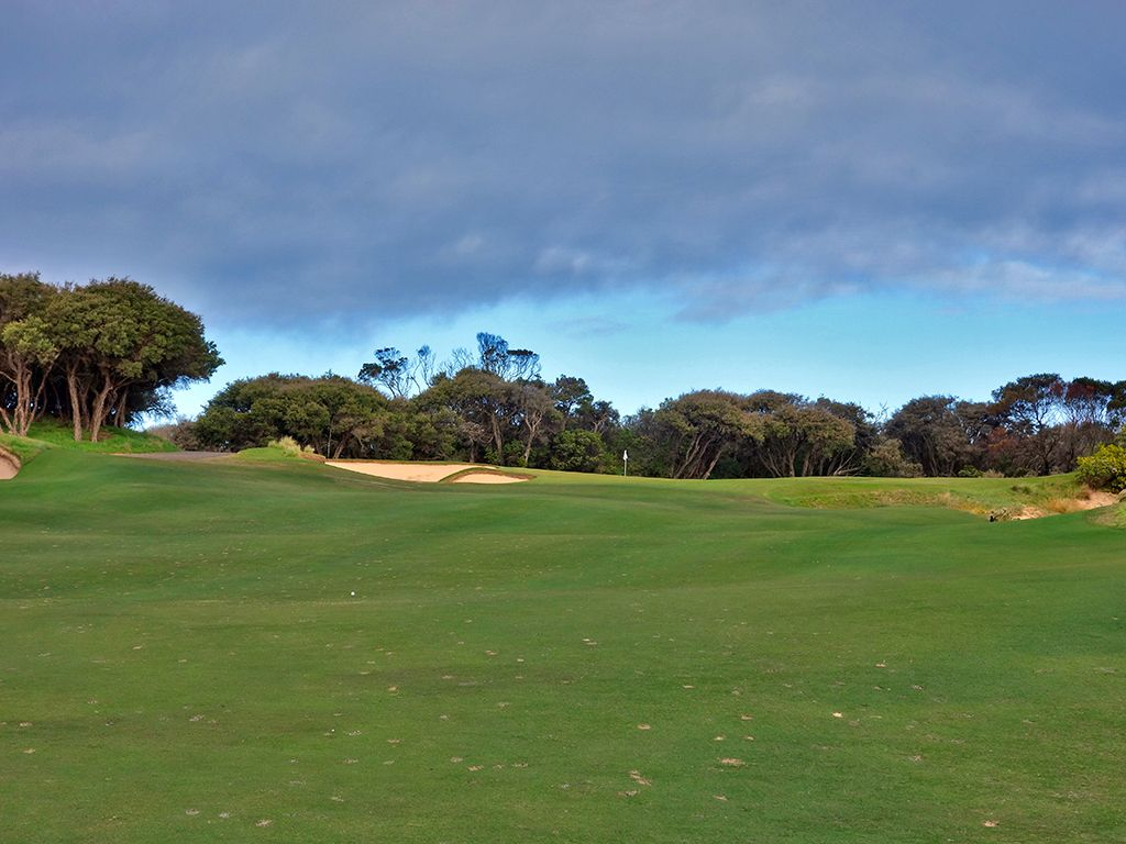 12th Hole at National Golf Club (Old) (337 Yard Par 4)