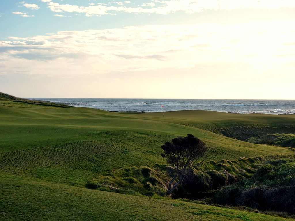 16th Hole at Ocean Dunes Golf Course (422 Yard Par 4)