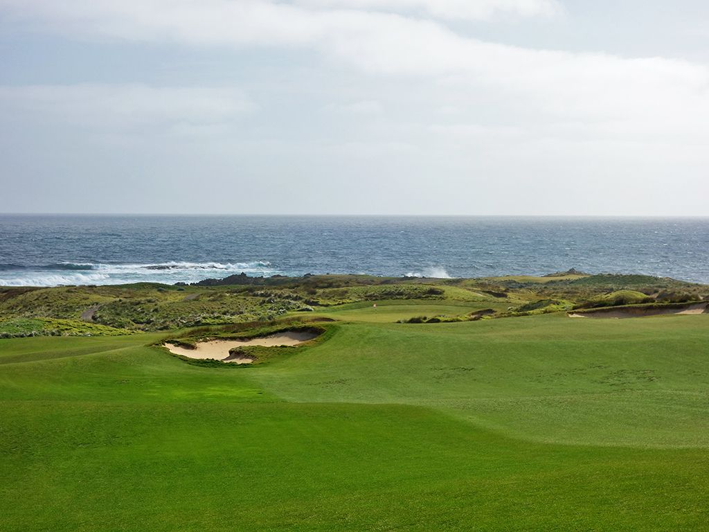 A view from the left side of the fairway on the awesome punchbowl 9th hole