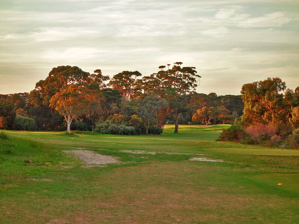 17th Hole at Royal Melbourne Golf Club (East) (569 Yard Par 5)