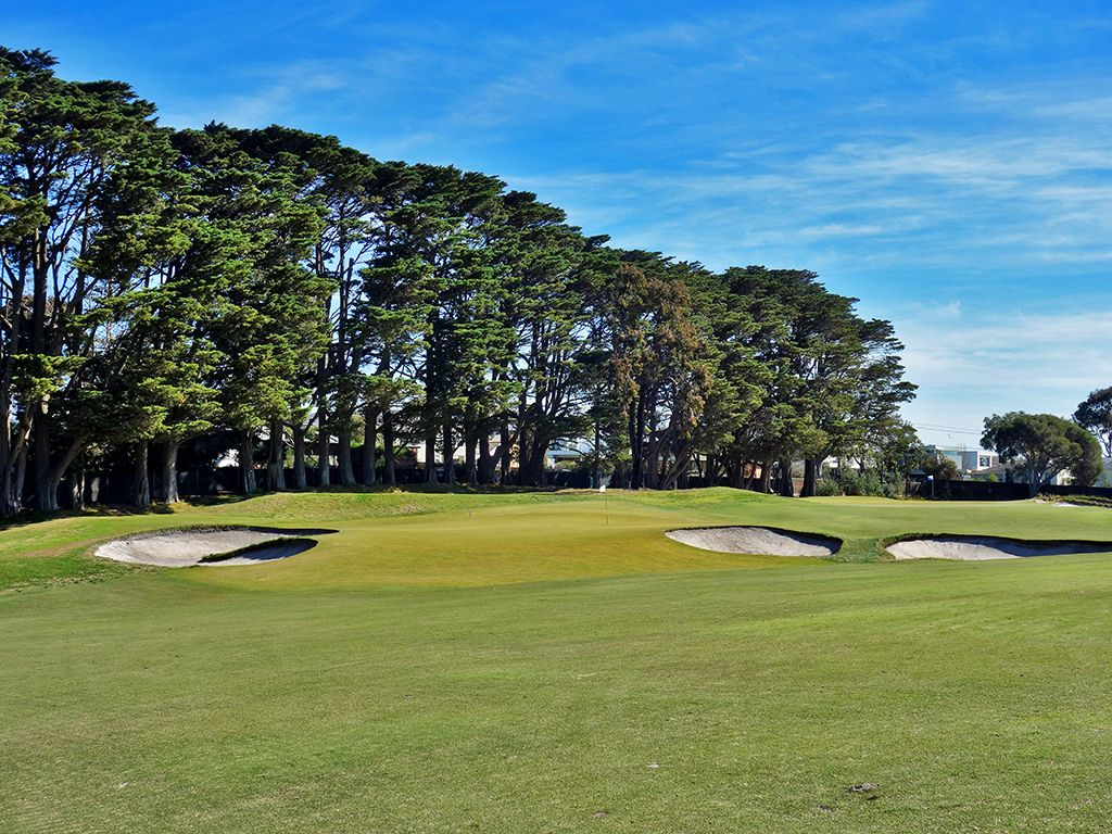 11th Hole at Royal Melbourne Golf Club (Presidents Cup) (332 Yard Par 4)