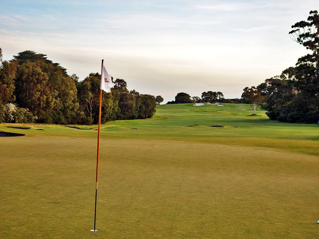 15th Hole at Royal Melbourne Golf Club (Presidents Cup) (569 Yard Par 5)