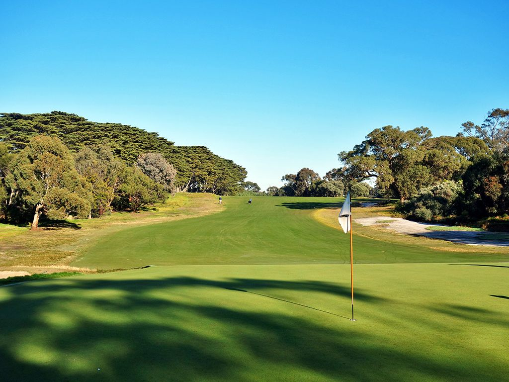 13th Hole at Victoria Golf Club (429 Yard Par 4)
