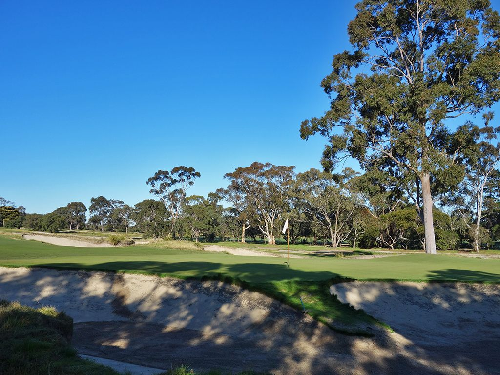 15th Hole at Victoria Golf Club (316 Yard Par 4)