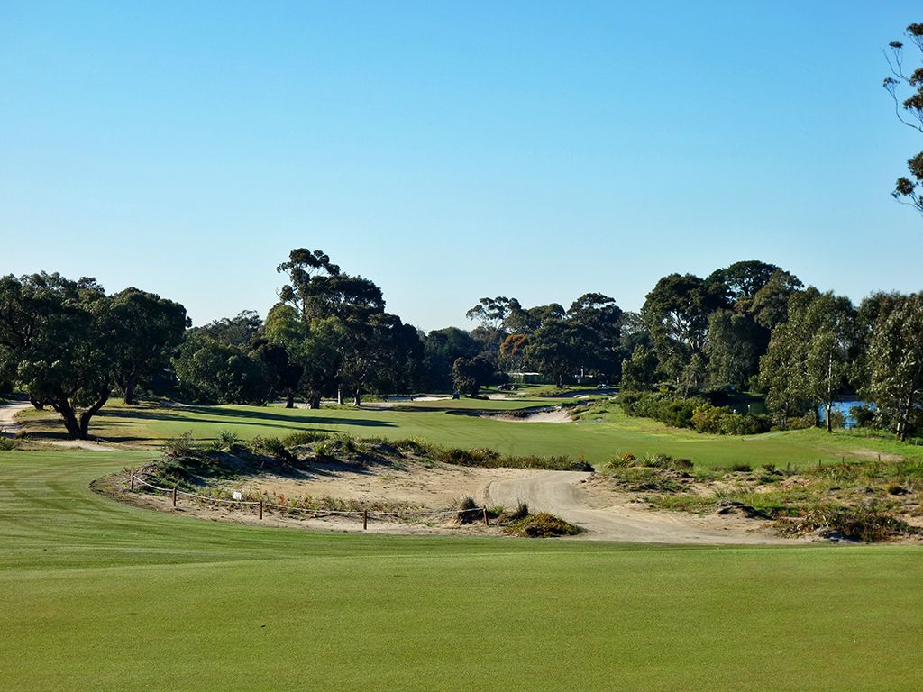 17th Hole at Victoria Golf Club (576 Yard Par 5)