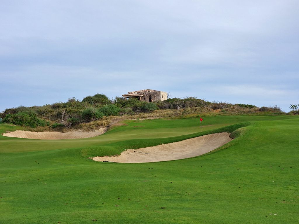 11th Hole at Diamante (Dunes) (507 Yard Par 4)