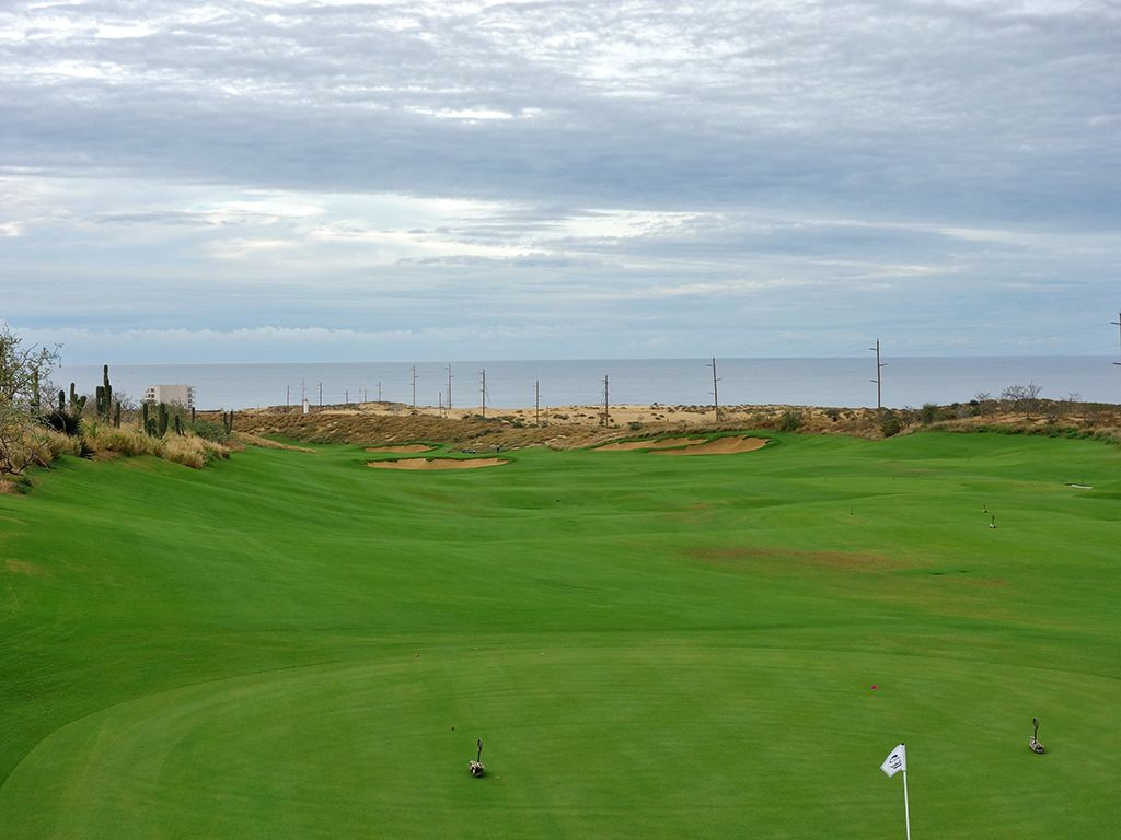 1st Hole at Diamante (El Cardonal) (541 Yard Par 5)