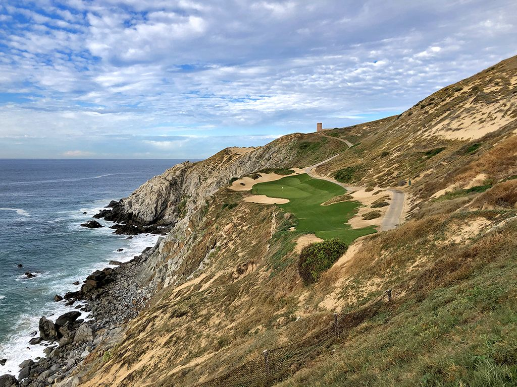 6th Hole at Quivira Golf Club (180 Yard Par 3)
