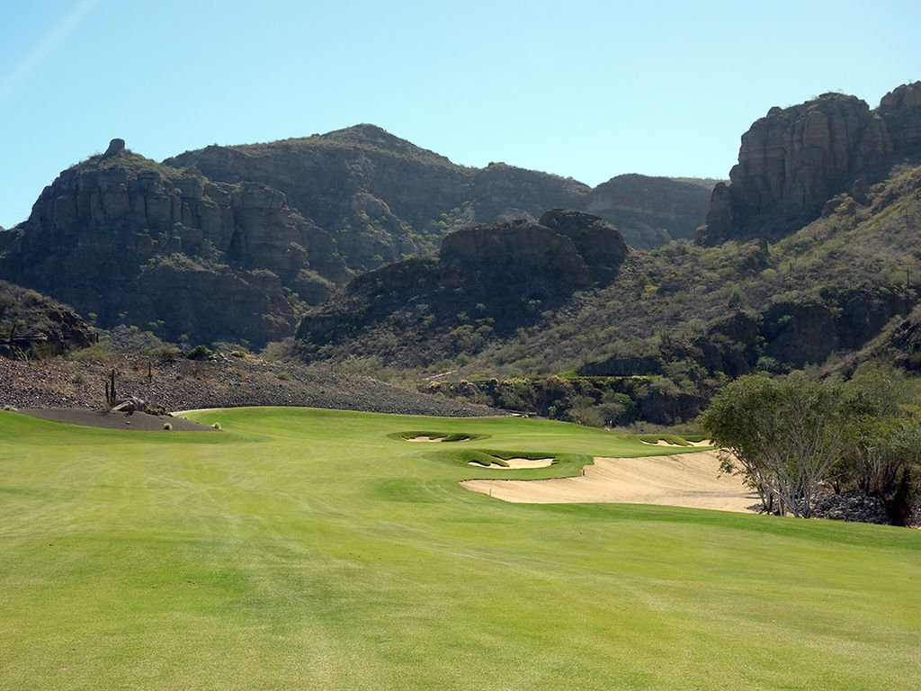 2nd Hole at TPC Danzante Bay (546 Yard Par 5)
