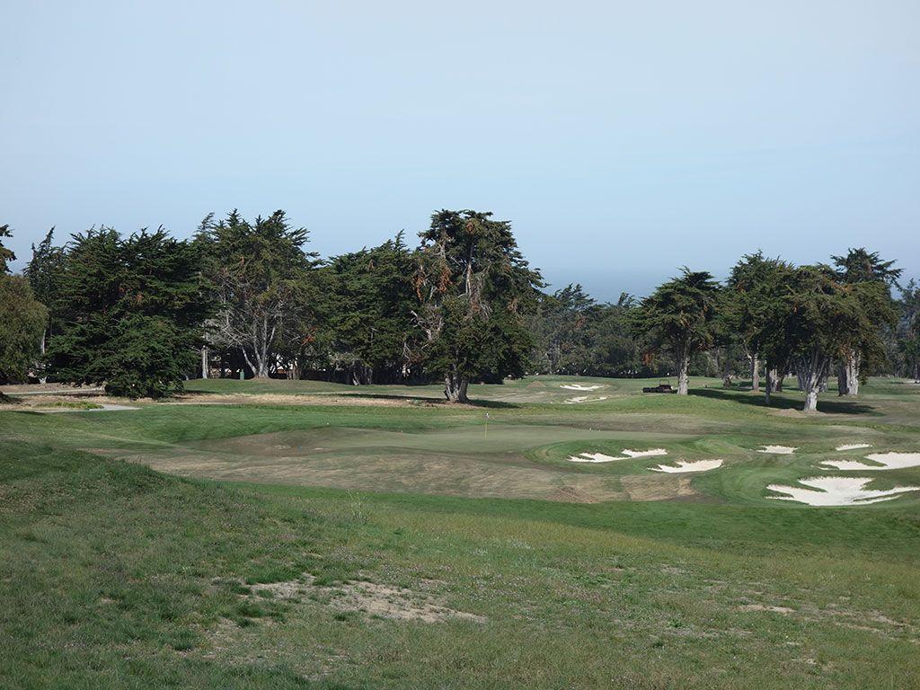 15th Hole at Black Horse Golf Club (224 Yard Par 3)