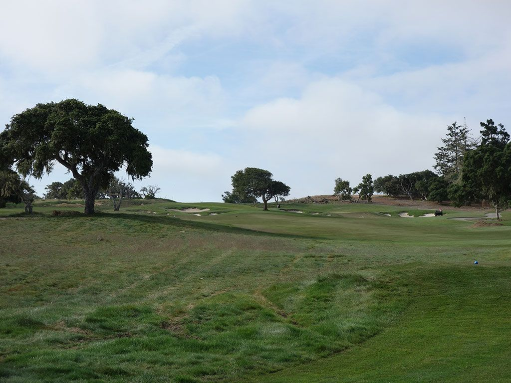 6th Hole at Black Horse Golf Club (265 Yard Par 4)