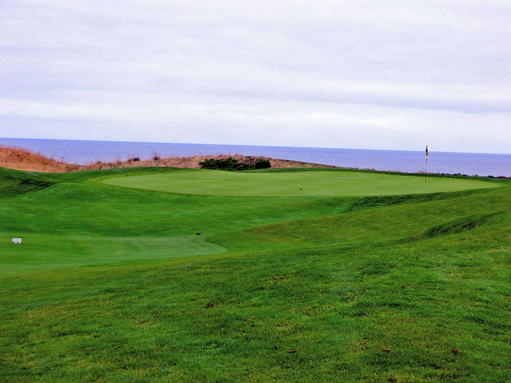 18th Hole at Half Moon Bay (Ocean) (533 Yard Par 5)