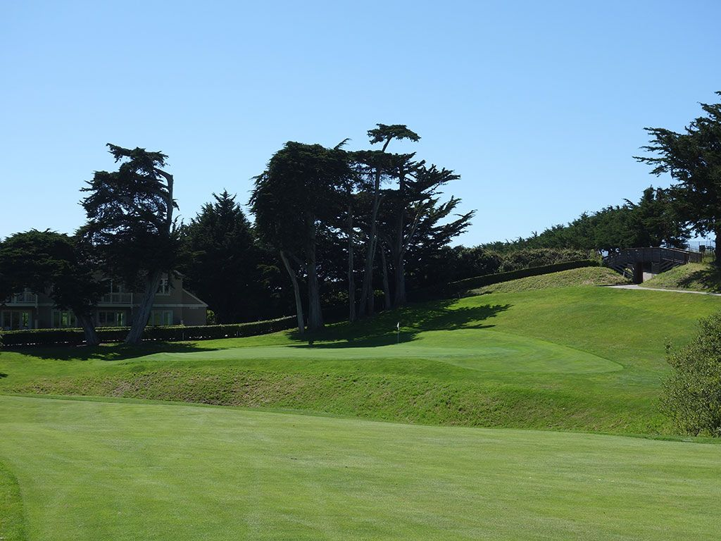 16th Hole at Half Moon Bay (Old) (410 Yard Par 4)