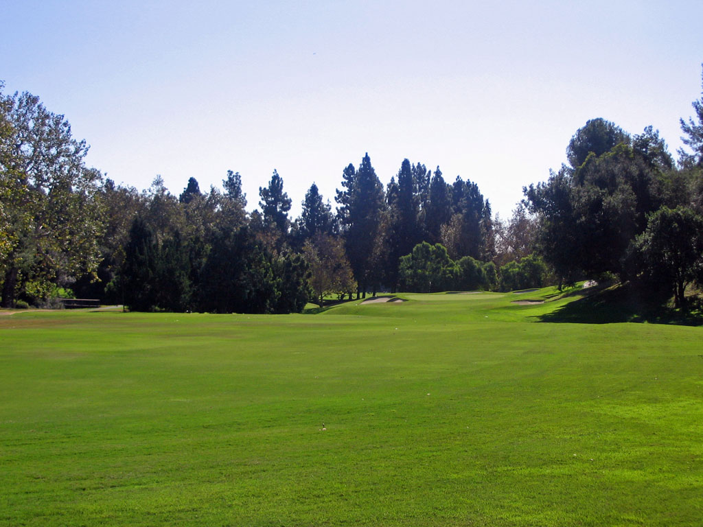 8th Hole at Los Angeles Country Club (561 Yard Par 5)