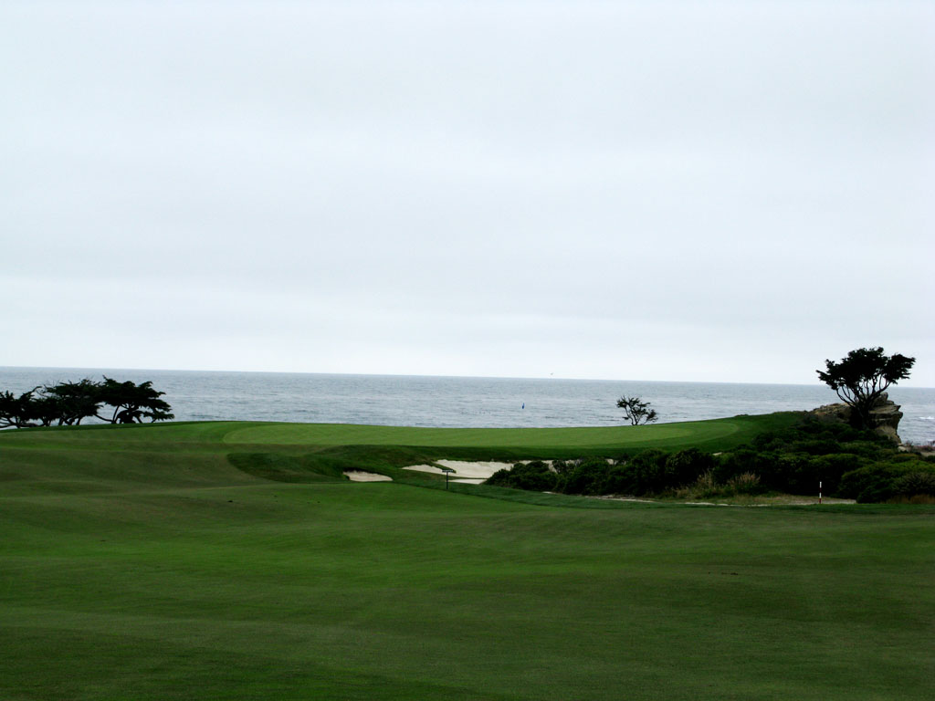 15th Hole at Monterey Peninsula CC (Shore) (415 Yard Par 4)