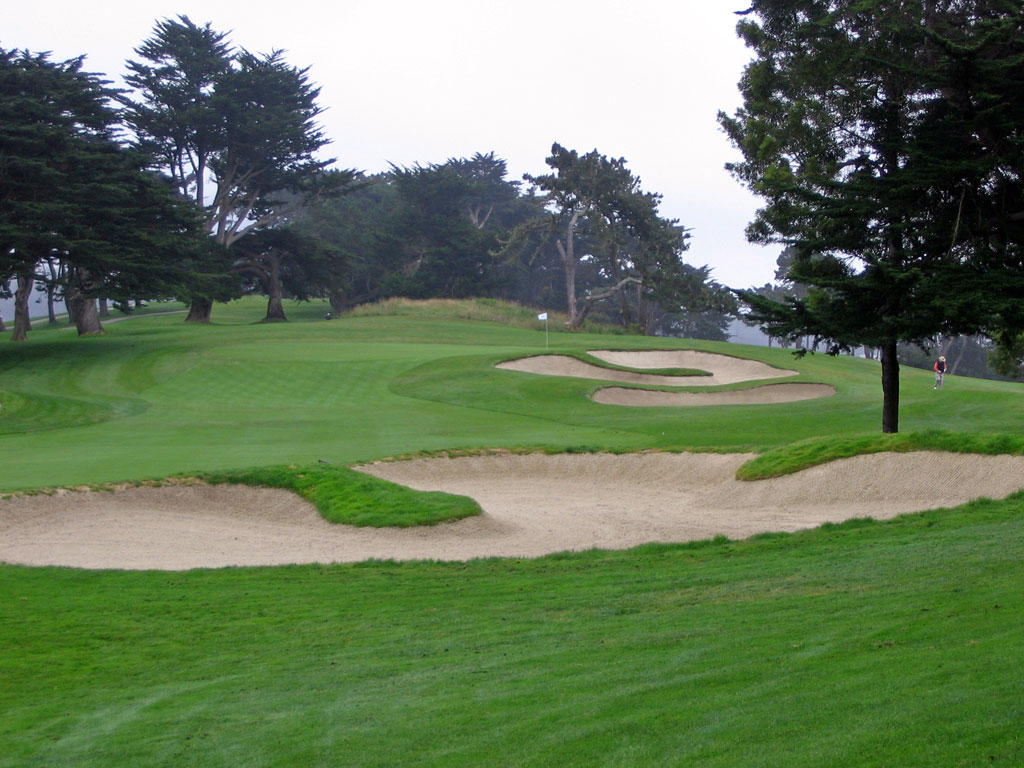 1st Hole at Olympic Club (Lake) (533 Yard Par 5)