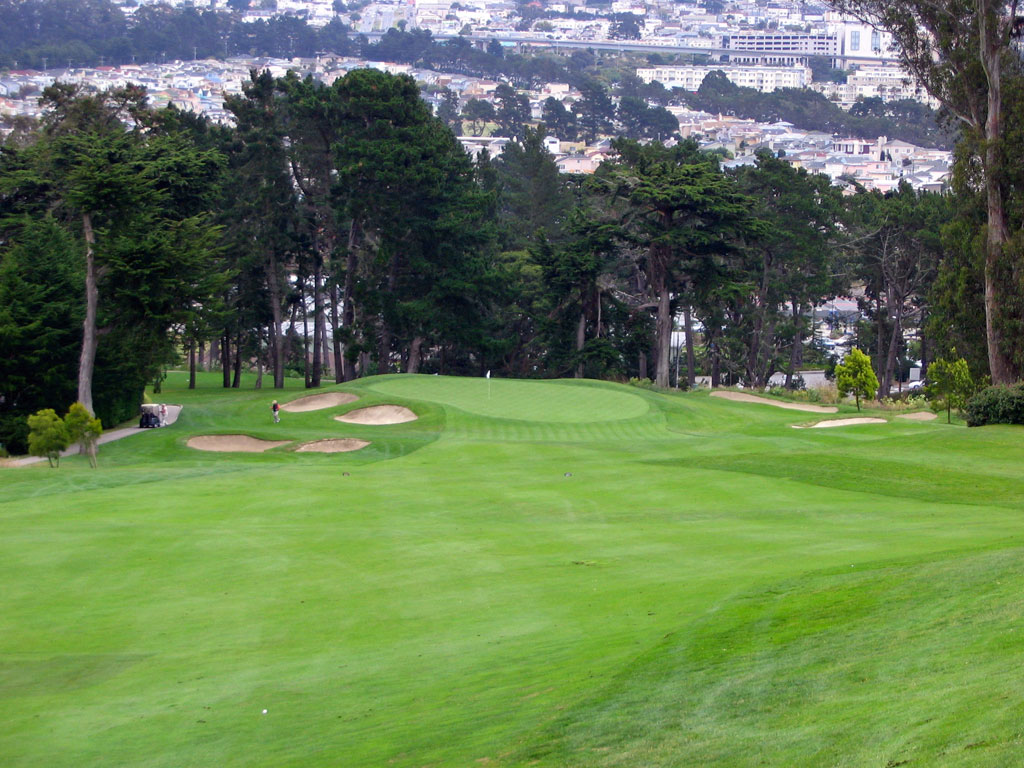 7th Hole at Olympic Club (Lake) (288 Yard Par 4)