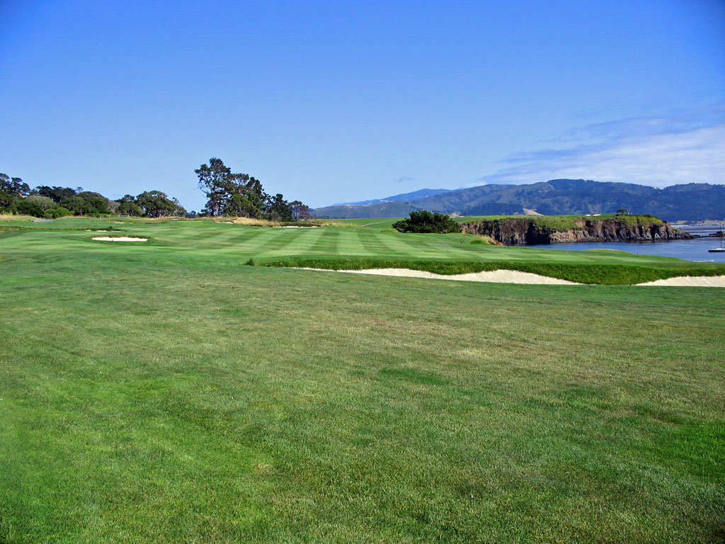 4th Hole at Pebble Beach Golf Links (331 Yard Par 4)