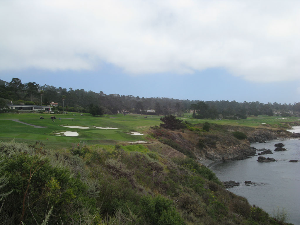 8th Hole at Pebble Beach Golf Links (428 Yard Par 4)