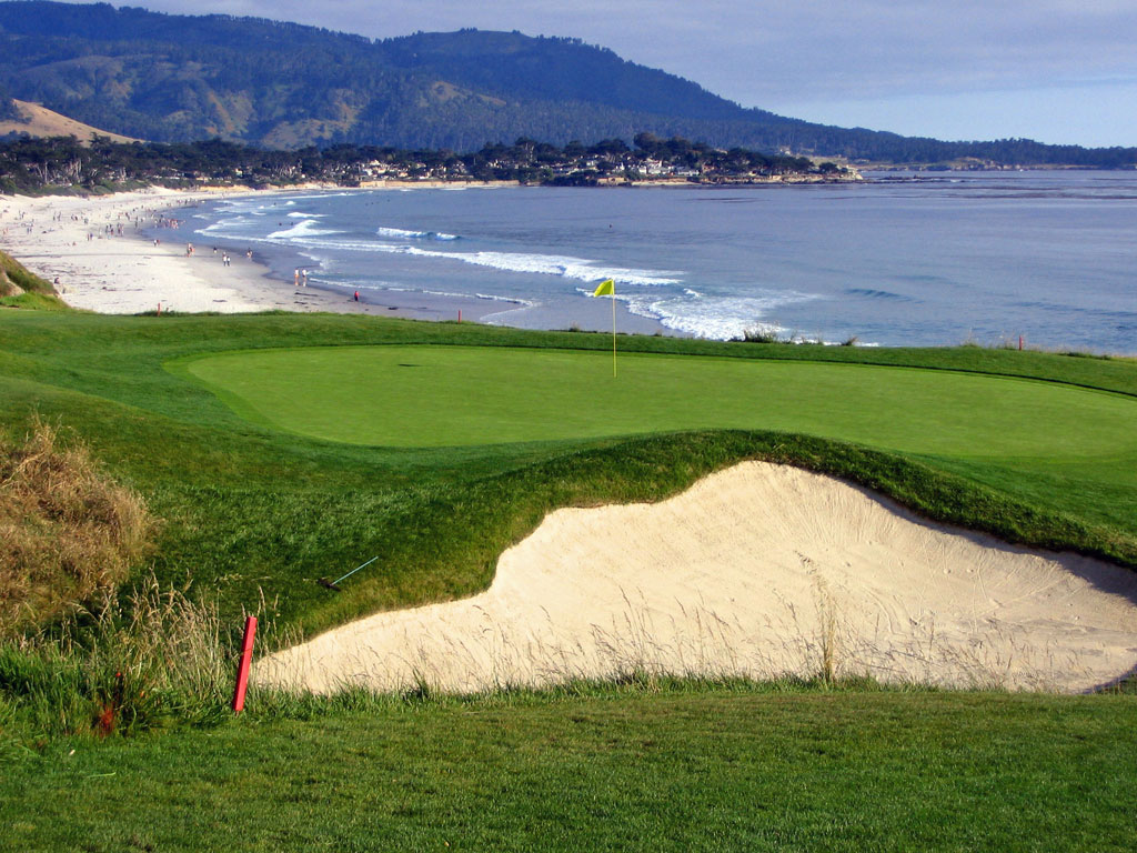 9th Hole at Pebble Beach Golf Links (505 Yard Par 4)